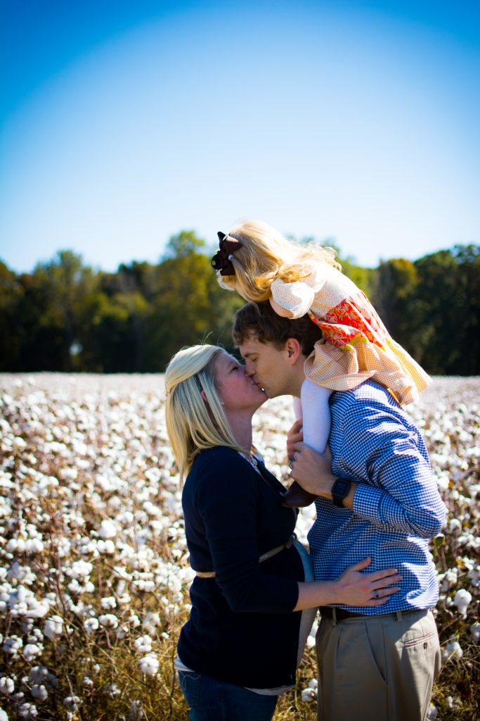 Family Cotton photo shoot. Fall family photo shoot in cotton field