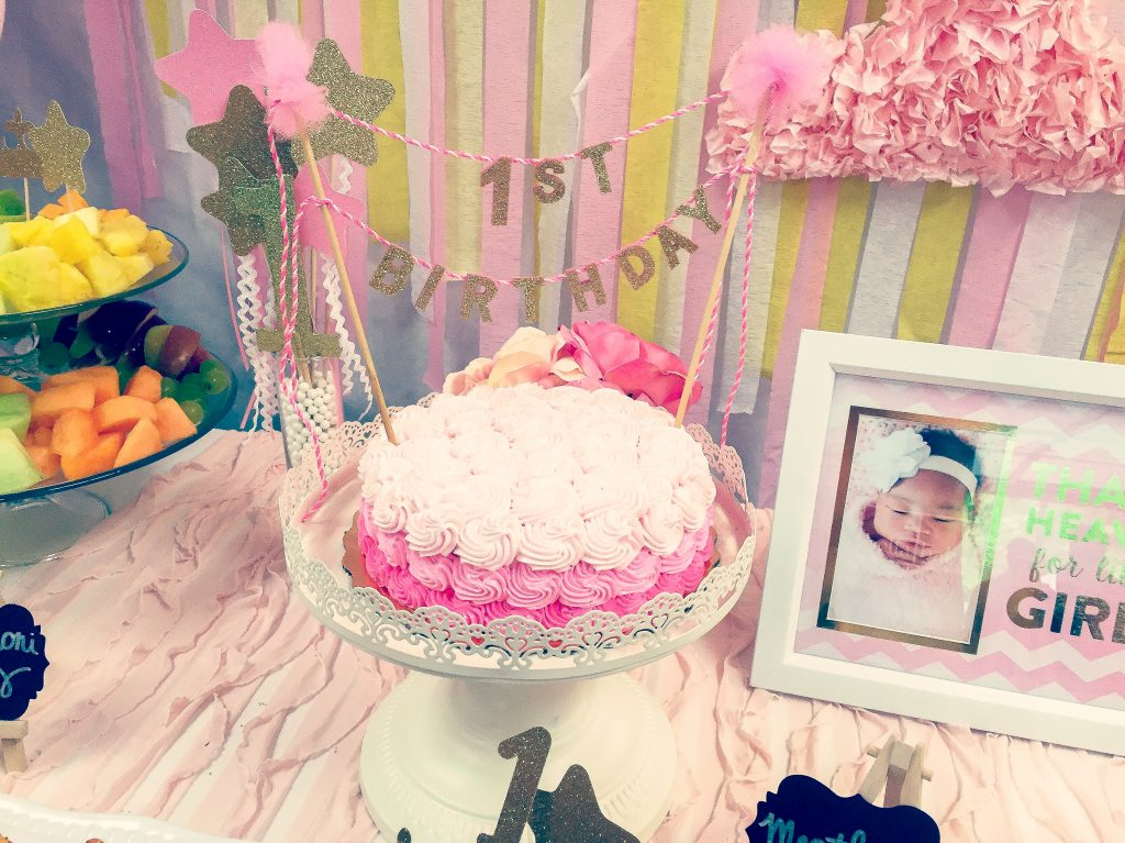Pink and gold first birthday party. Pink and gold princess party. Pink and gold party decor ideas.
