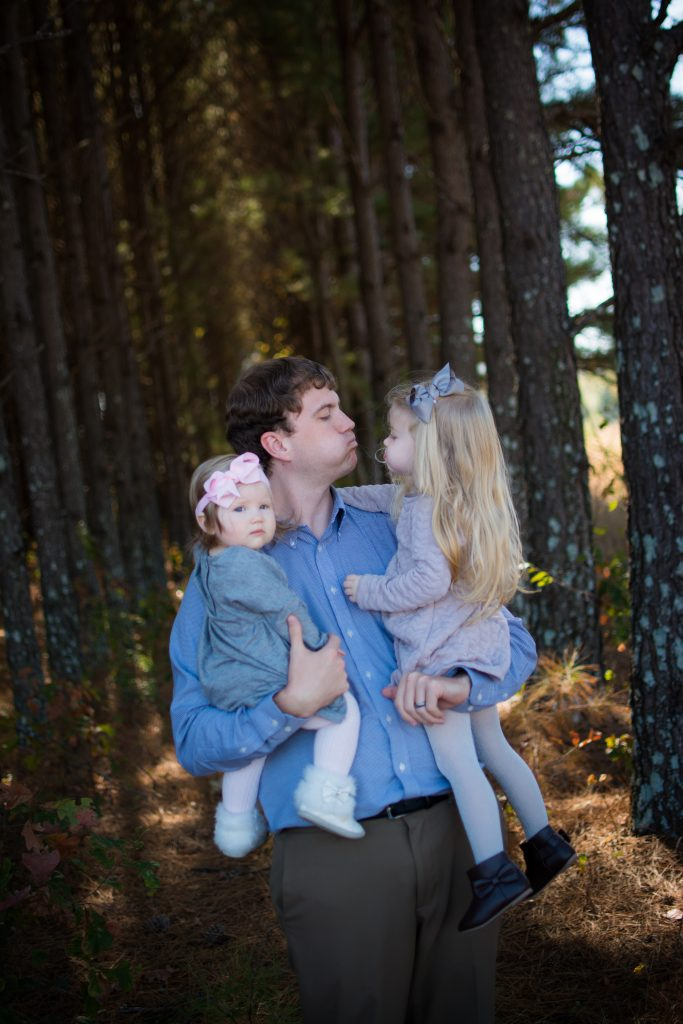 Fall family photo shoot. Woodsy fall family photo shoot.