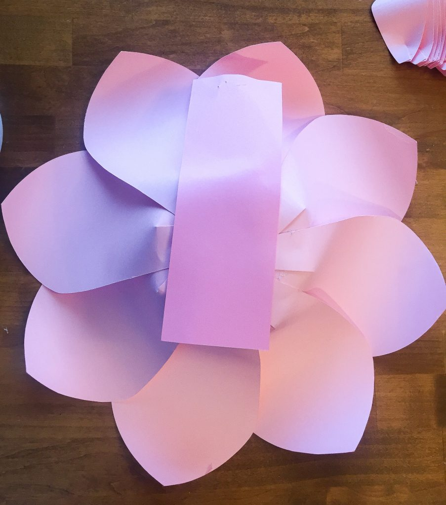 Kate Spade party theme ideas. Kate Spade bridal shower decorations. Kate Spade backdrop with paper flowers. Kate Spade party decor ideas. How to create paper flowers