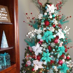 Christmas Home Tour 2017 – Red + Blue Christmas Decorations