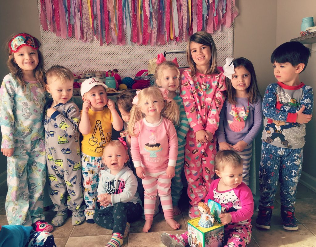 Pancakes and Pajamas birthday party decoration ideas. Pancakes and Pajamas food ideas. How to make a pancake cake. Ideas for brunch for pancakes and pajamas or donut birthday party
