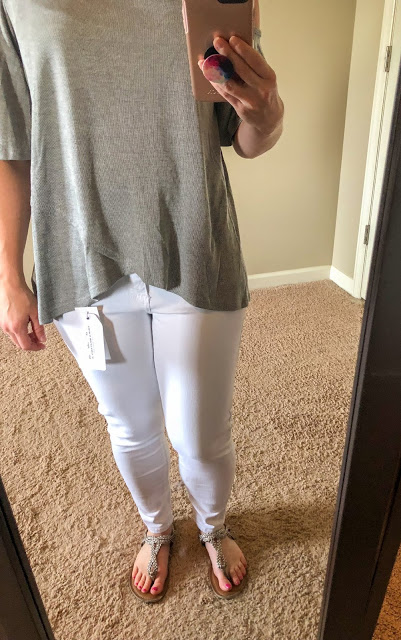 Stitch Fix review. Try Stitch Fix, personal styling subscription box. Cold shoulder top with white ankle length skinny jeans. Summer style. Summer outfits