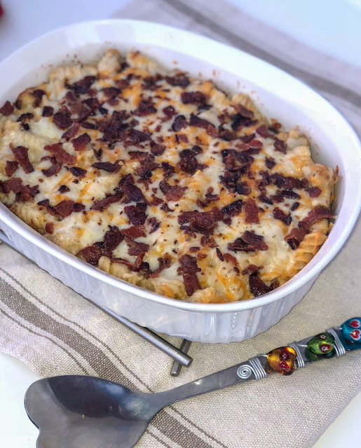 Chicken Bacon Ranch Casserole Recipe. The best cheesy pasta casserole recipe you