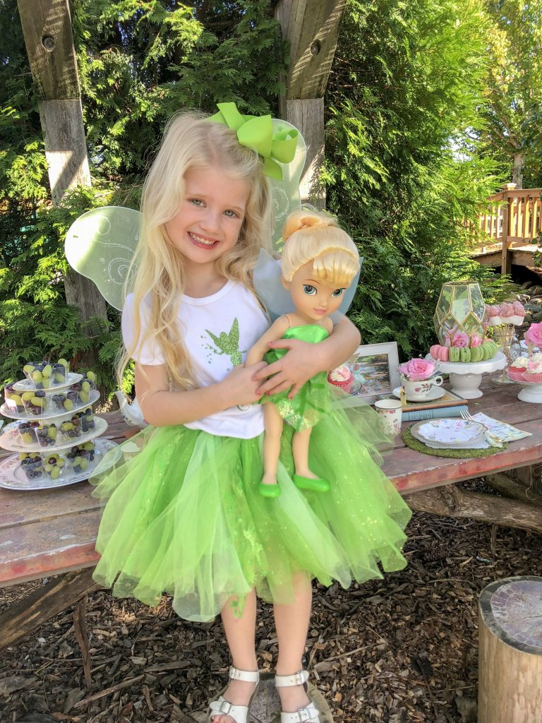 Fairy garden tea party ideas for girls. Fairy birthday party decorations. Tea party food ideas. Tinker Bell birthday party theme decoration ideas