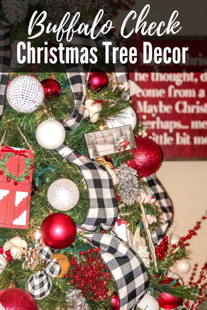 Rustic Christmas decor. Farmhouse Christmas decor with buffalo check. Red, white and buffalo check Christmas tree. Cozy country Christmas decor