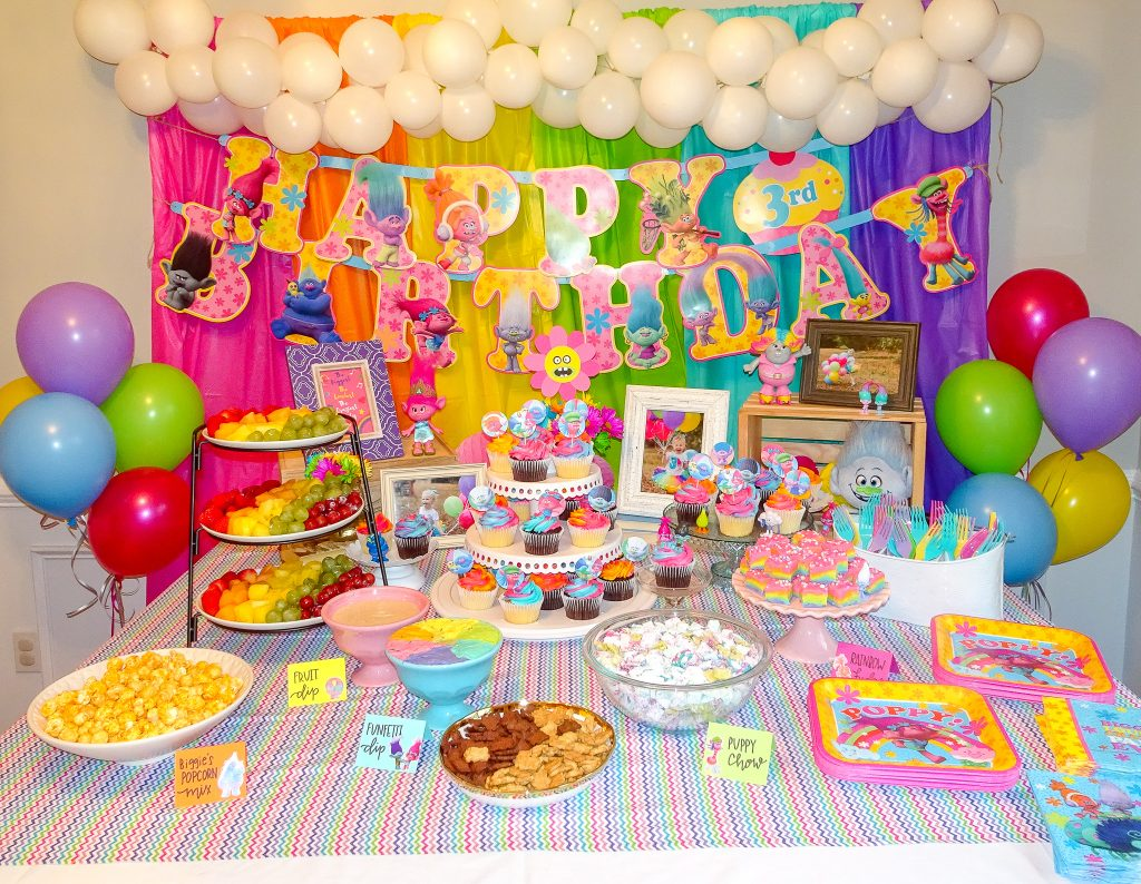 Trolls birthday party decorations. Trolls birthday party ideas. Trolls birthday party food ideas. Trolls birthday party menu. Trolls birthday party food table. Trolls birthday party food table backdrop.
