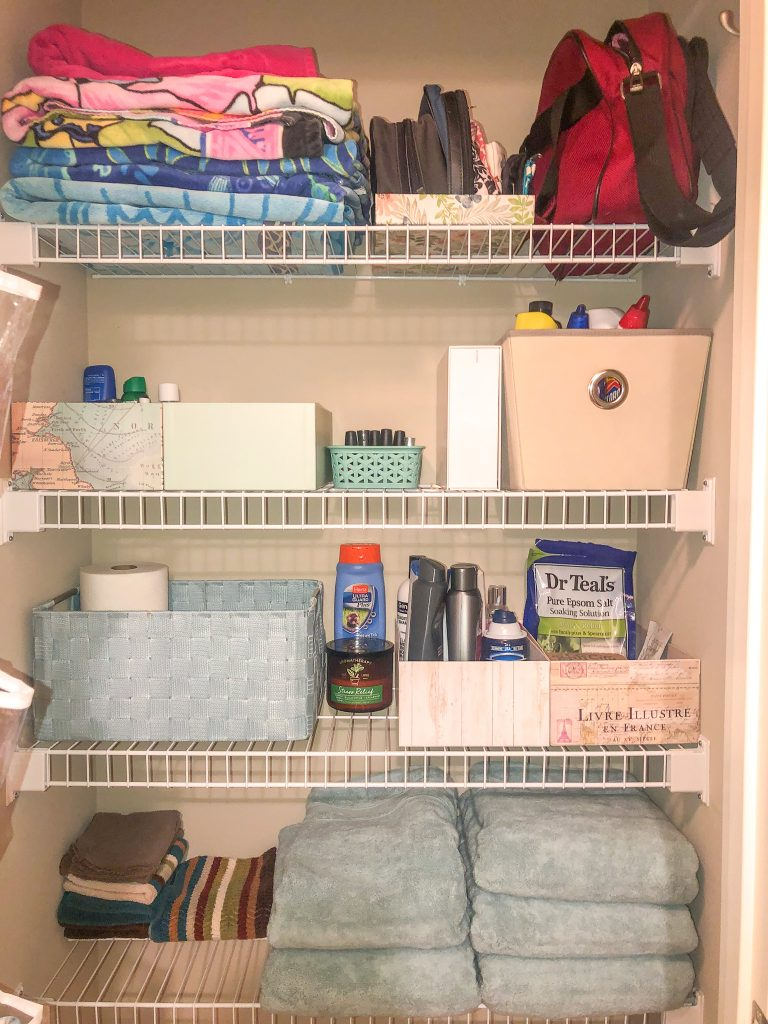 Kon-Mari method overview. Kon-Mari method of decluttering and tidying up.