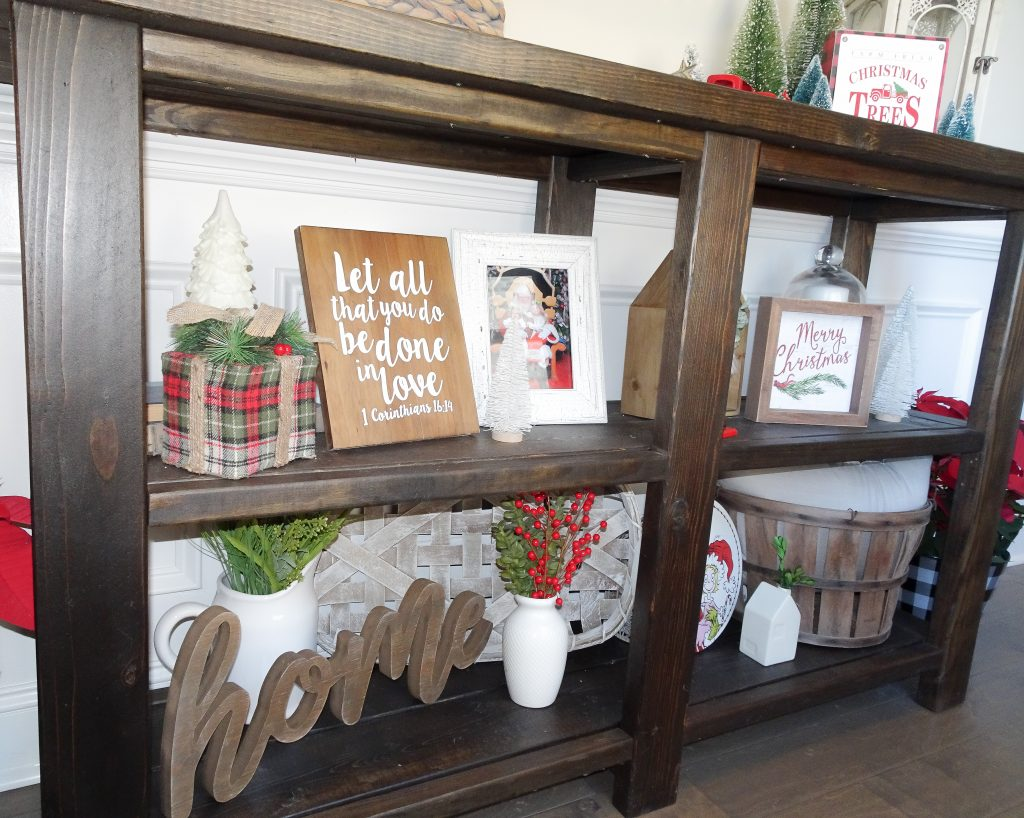 Farmhouse Christmas decor. Buffalo plaid and red Christmas decor. Farmhouse Christmas home tour 2019. Rustic Christmas decor. Buffalo plaid Christmas decor. Buffalo check Christmas decor