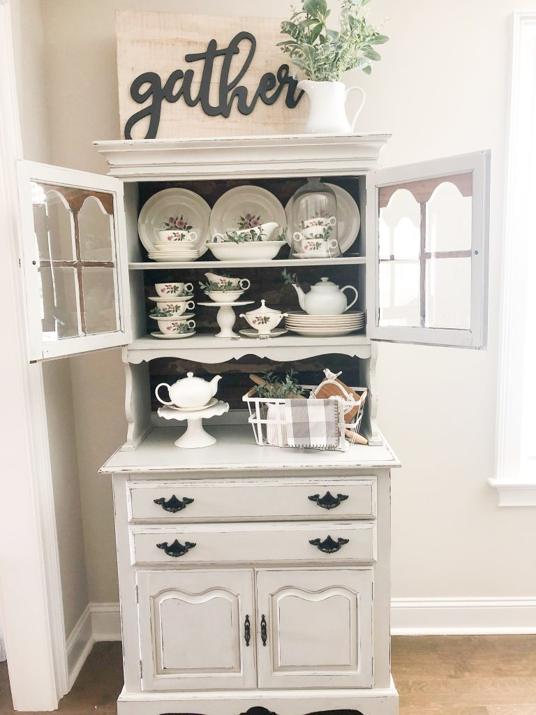 Farmhouse kitchen. Farmhouse dining room decor. Farmhouse table decor. Farmhouse tablescape. Farmhouse china cabinet. Farmhouse coffee bar