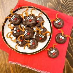 Chocolate Peanut Butter Ritz Reindeer